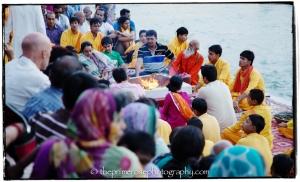 Guruji-and-rishikumars-at-Ganga-Aarti-Parmarth-Nketan-Ashram-Rishikesh