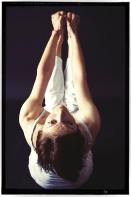 rosa-tagliafierro-ubbaya-padangusthasana-ashtanga-yoga