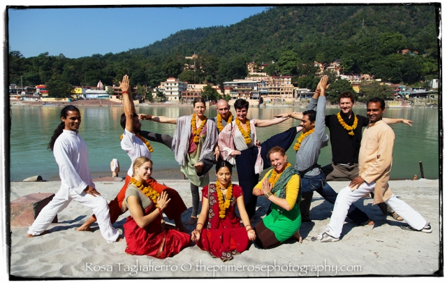 closing-pooja-ashtanga-yoga-teacher-training-tattvaa-yogashala-rishikesh-theprimerose-photography-rosa-tagliafierro