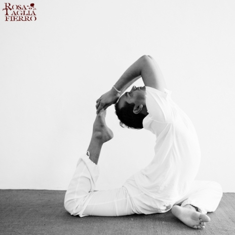 yoga-Sunil-Sharma-theprimerose-photography-Rosa-Tagliafierro
