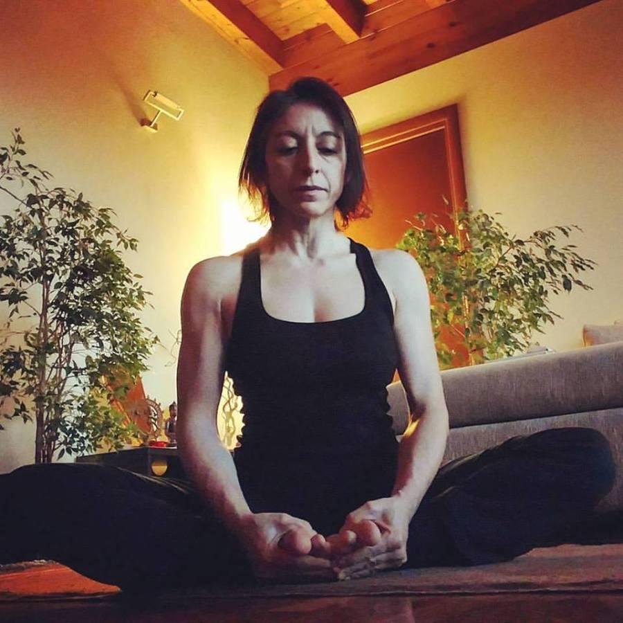 baddha-konasana-ashtanga-yoga-italia-rosa-tagliafierro