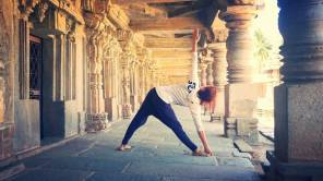 2016-01 Utthita Trikonasana in Mysore, India