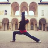 16-03-virabadhrasana-i-warrior-pose-rosa-tagliafierro-ashtanga-yoga-italia-milano