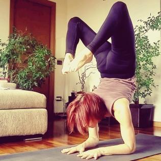 16-11-vrschikasana-scorpion-rosa-tagliafierro-ashtanga-yoga-italia-milano
