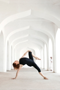 17-02-vashisthasana-variation-Rosa-Tagliafierro-Ashtanga-Yoga-Italia-Milano