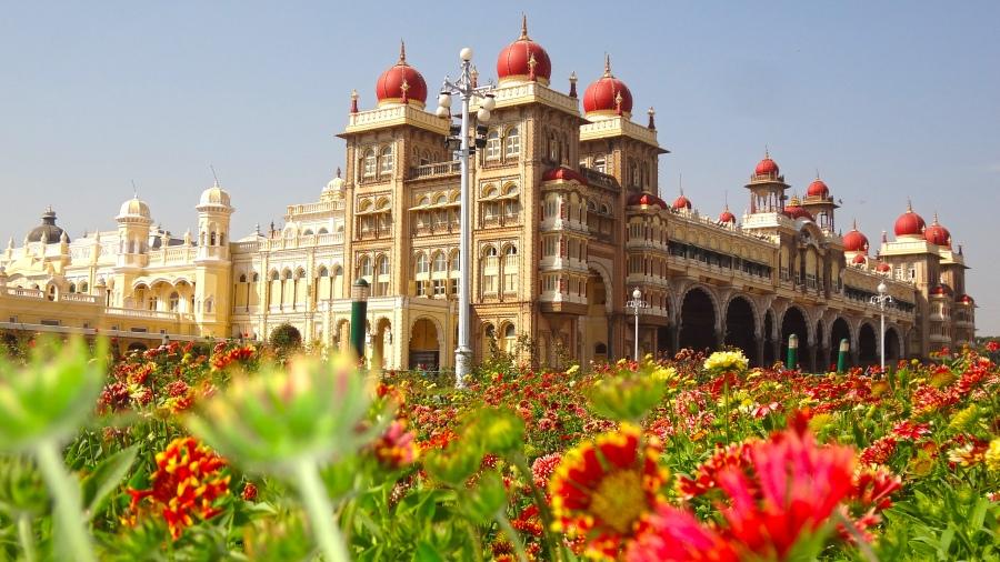 mysore-palace-ashtanga-yoga