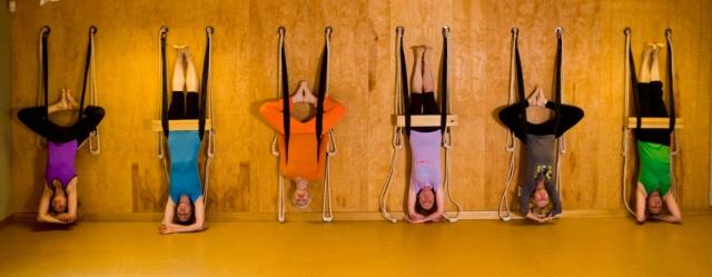 Iyengar-style-yoga-practice