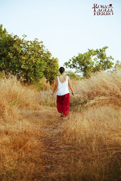 Ashtanga-yoga-with-Rolf-Naujokat-Sunset-walk-Anjuna-Goa-theprimerose-photography-by-Rosa-Tagliafierro