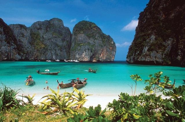 ashtanga-yoga-italia-milano-rosa-tagliafierro-teaching-Orion-Healing-Centre-Koh-Phangan-Thailand