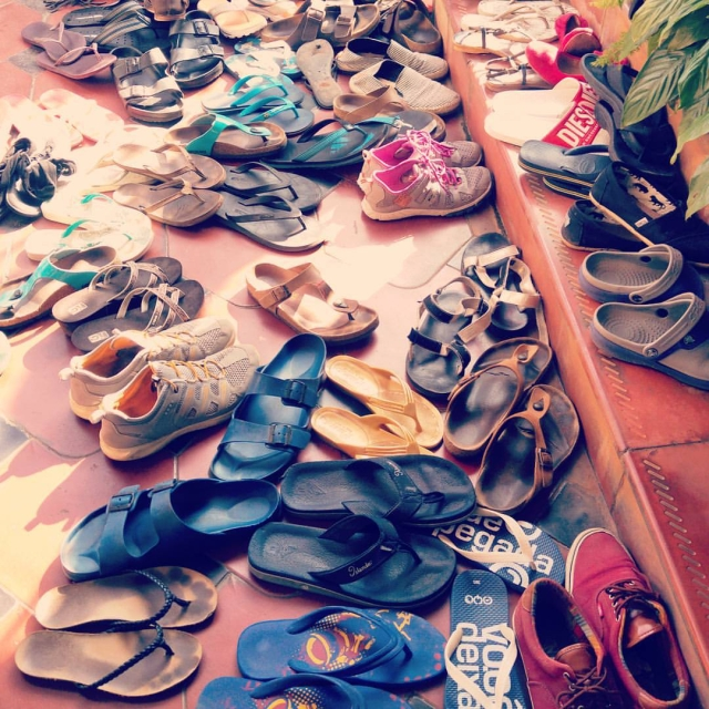 Rosa-Tagliafierro-ashtanga-yoga-italia-milano-Sharath-Jois-in-Conference-Mysore-shoes