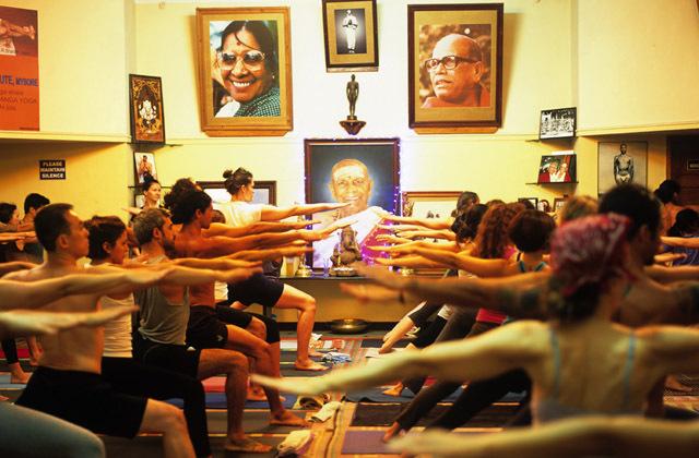 ashtanga-yoga-italia-milano-mysore-style-classe-guidata-rosa-tagliafierro