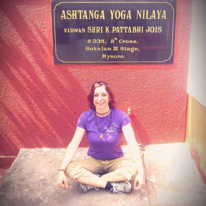 17-01-at-KPJAYI-rosa-tagliafierro-ashtanga-yoga-italia.jpg