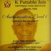 Giugno 2018 - certificato di autorizzazione all'insegnamento da parte di Sharath Jois al KPJAYI